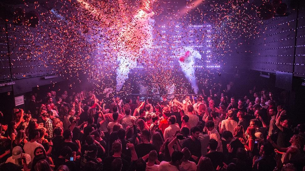 Groots feest bij feestlocatie AIR Amsterdam.