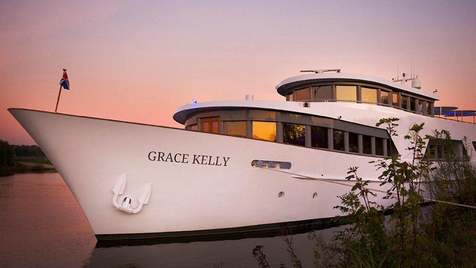 Zicht op het schip de Grace Kelly feestlocatie in Rotterdam.