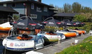 Varen met collega's bij Boathouse feestlocatie in Almere.