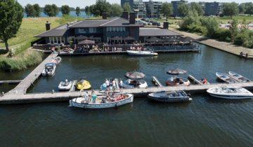 Bovenaanzicht op feestlocatie Boathouse in Almere.