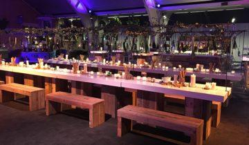 Dineren met collega's bij 1931 congrescentrum Brabanthallen feestlocatie in Den Bosch.