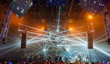 Band treed op bij central studios feestlocatie in Utrecht.