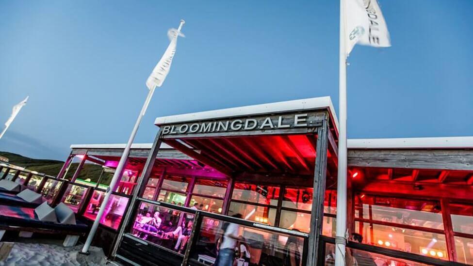 Entree van feestlocatie Bloomingdale beach in Bloemendaal