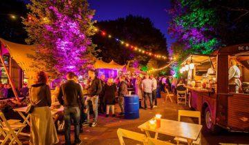 Festivalsfeer tijdens personeelsfeest bij Boshuys feestlocatie Best.