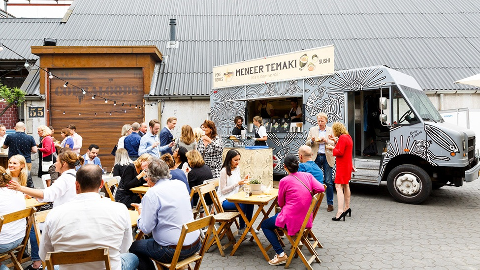 Foodtrucks bij de Copraloods van DeFabrique feestlocatie in Utrecht.