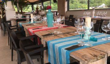 Gedekte tafels Experience Island feestlocatie Loon op Zand.