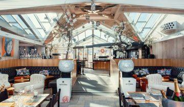 Interieur van feestlocatie Beachclub O in Noordwijk aan Zee.
