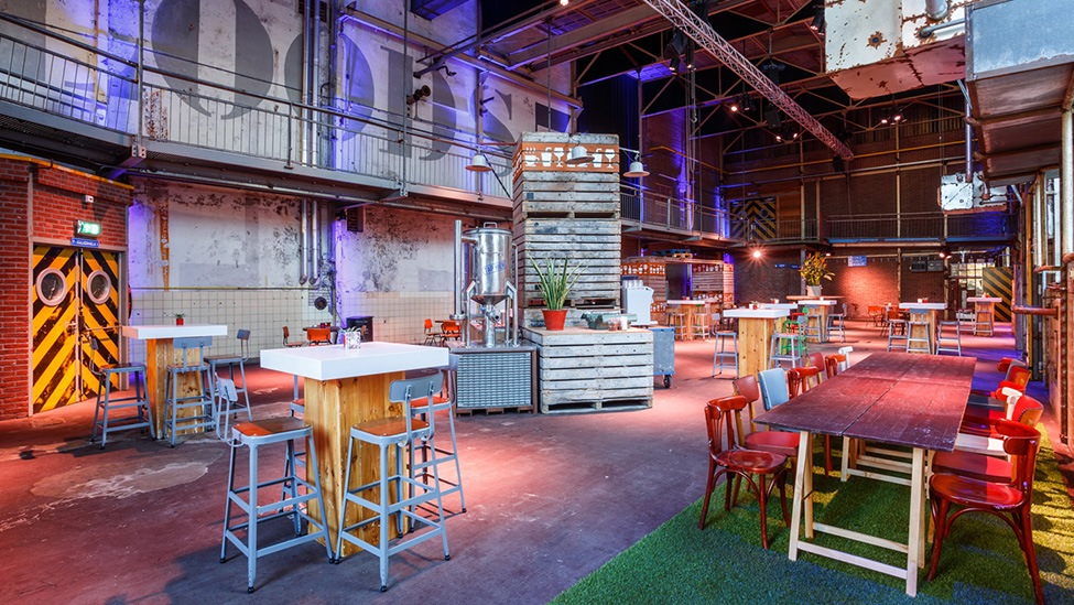 Overzicht over loods 7 van feestlocatie DeFabrique in Utrecht.