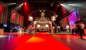 De rode loper ligt uit voor je personeel tijdens een personeelsfeest in central studios in Utrecht.