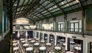 Sit down dinner in het de Wintertuin van Grand Hotel Krasnapolsky feestlocatie Amsterdam