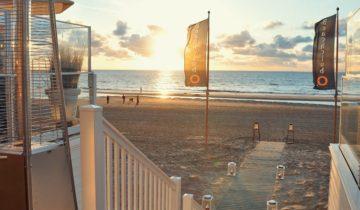 Strandzicht bij Beachclub O feestlocatie in Noordwijk aan Zee.