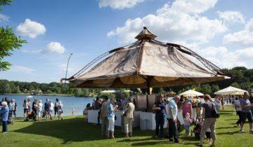 Tent op terrein van Experience Island feestlocatie Loon op Zand.