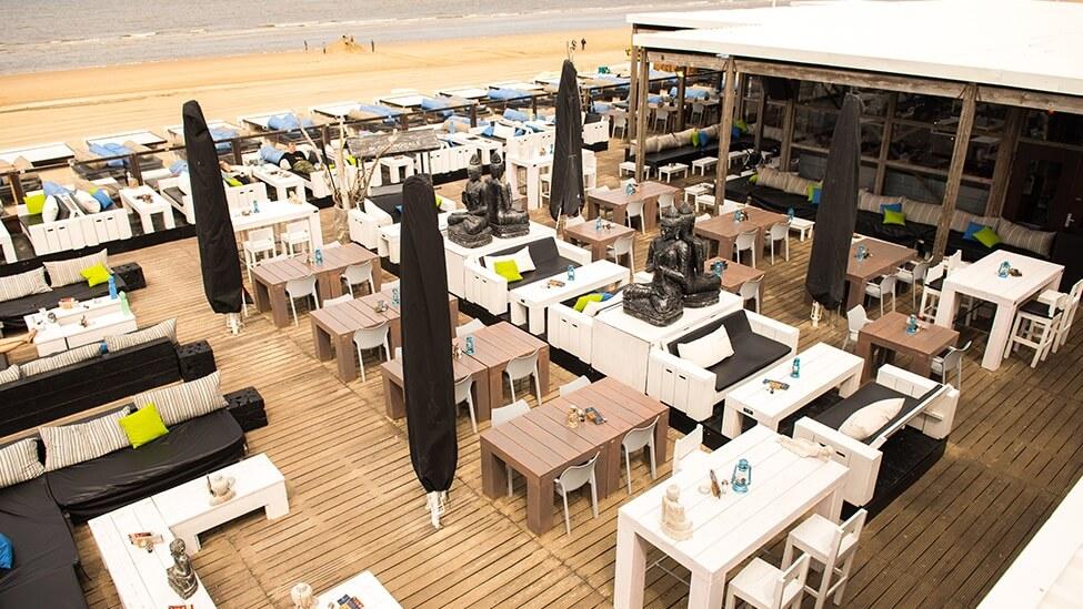 Terras van Bloomingdale beach feestlocatie in Bloemendaal.