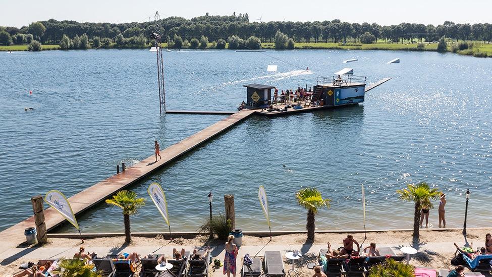 Het zicht op het water van Down Under feestlocatie in Nieuwegein