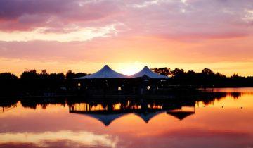 Zonsondergang bij het Experience Island feestlocatie Loon op Zand