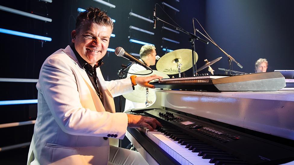 Jan Rooymans is de genie op de piano tijdens The Piano Party