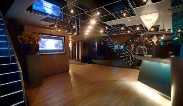 De hal van feestlocatie Jules Verne feestlocatie in Arnhem