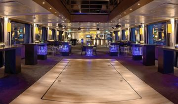 Zaal op het schip Jules Verne feestlocatie Arnhem