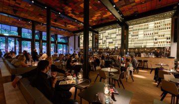 Bij Kitchen & Bar Van Rijn in Amsterdam kun je goed terecht voor je personeelsfeest. Fotografie door Klijn Fotografie.