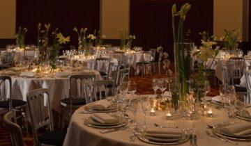 Dineren met je collega's bij feestlocatie De Koepelkerk in Amsterdam.