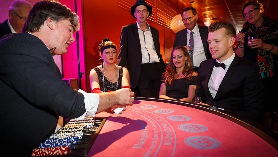 Peter De Valsspeler tijdens het casinofeest personeelsfeest
