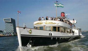 Vooraanzicht op Raderstoomboot de Majesteit Feestlocatie in Rotterdam.