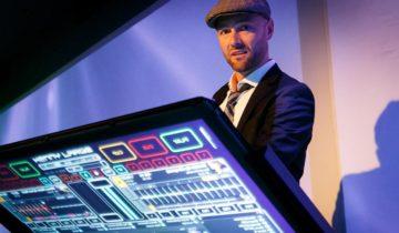 DJ op het Ibiza Strandfeest