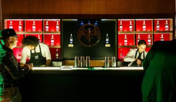 De bar in de zaal Staal van feestlocatie Staal in Rotterdam