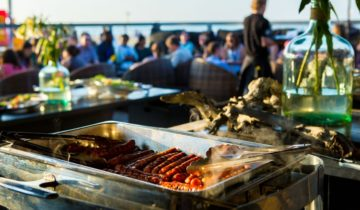 Kies voor een lekkere barbecue bij feestlocaties Strandclub Wij in Scheveningen.
