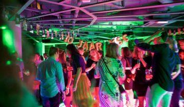 Bedrijfsfeest bij feestlocatie Level Eleven in Amsterdam.