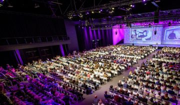 Een plenaire opstelling bij feestlocatie NBC Congrescentrum in Nieuwegein.