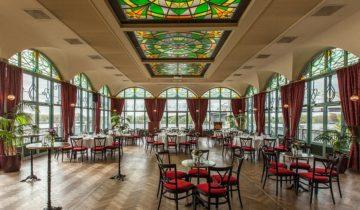 diner setting bij feestlocatie Zalmhuis in Rotterdam.