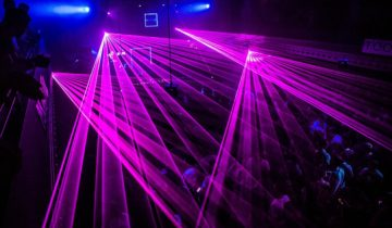Een lasershow bij feestlocatie Panama in Amsterdam.