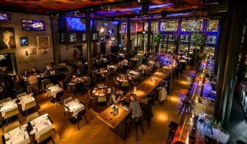 Overzicht over de begaande grond bij Kitchen & Bar Van Rijn in Amsterdam. Fotografie door Klijn Fotografie.