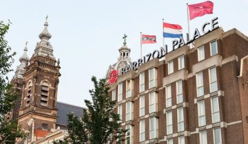 Pand buitenaanzicht st. olofskapel Amsterdam.