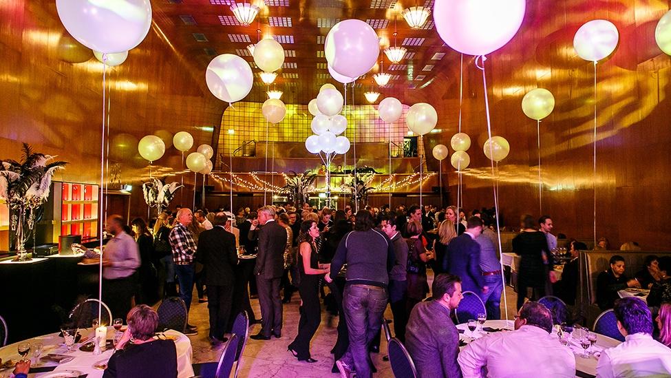 Staal Rotterdam is zeer geschikt voor grote personeelsfeesten.