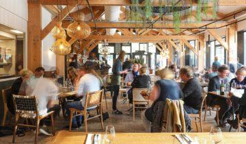 Bij Strandzuid feestlocatie in Amsterdam kun je goed dineren met collega's.