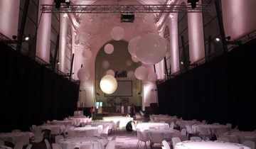 Decoratie in grote zaal van Rebelle Maastricht feestlocatie Maastricht.