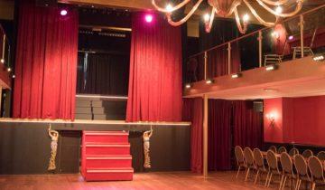 Theaterzaal van feestlocatie De Avenue in Breda.