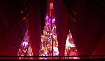 Blik vanuit de coulisse van Hotel Theater Figi in Zeist.