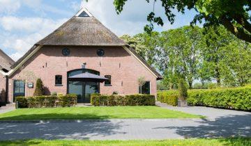 vooraanzicht de Bronckhorst Hoeve feestlocatie in Brummen.