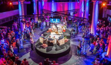 Zakelijk evenement in de kerkzaal van feestlocatie St Jan in Roosendaal.