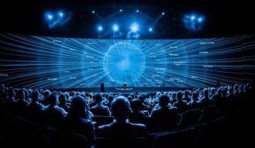 bedrijfsfilm op groot scherm bij Theater Amsterdam.