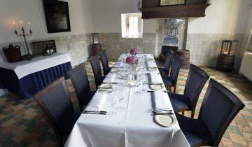 sitdown diner in de kleine zaal van het Openluchtmuseum feestlocatie in Arnhem.
