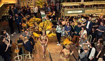 Personeelsfeest in het restaurant van de Kanarie Club feestlocatie in Amsterdam.