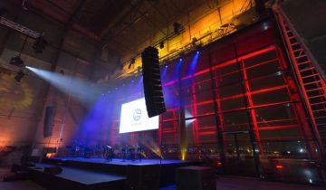 Verlichting van podium bij feestlocatie RDM Rotterdam.