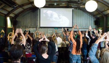 Presentatie tijdens event bij Pllek feestlocatie Amsterdam.
