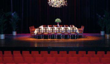 Private diner op het podium van feestlocatie Markant Uden.