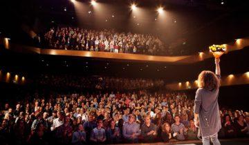 Presentatie in de theaterzaal van feestlocatie Markant Uden.