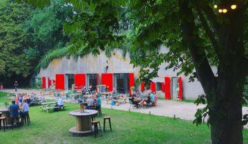 Terras buiten van Fort de Batterijen feestlocatie Nieuwegein.